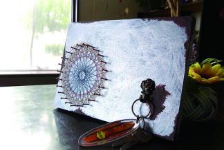 私カラーのオリジナル 糸かけ曼荼羅の壁掛けを作ろう!