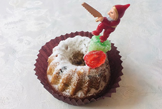 プレゼントにもピッタリ! クリスマスのお菓子シュトーレン風クグロフ